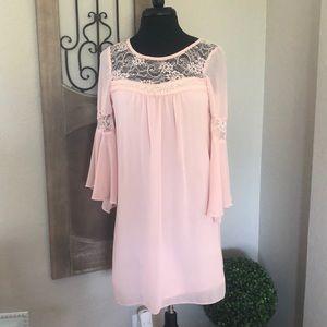 Blush pink BEAUTIFUL dress!! 🌸